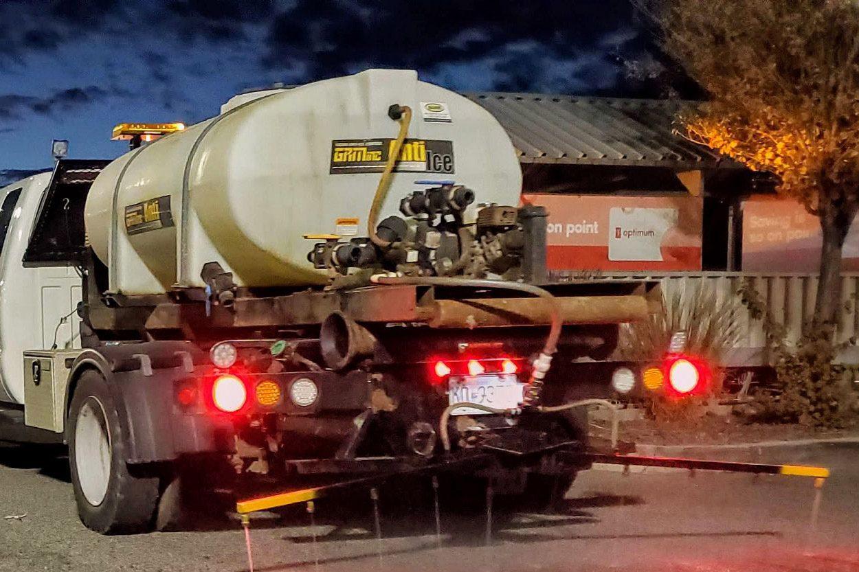 Anti-Ice truck
